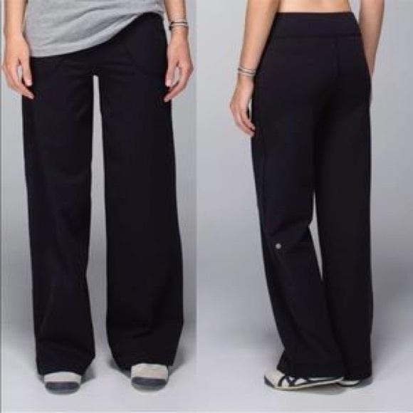 daa090813 lululemon athletica Pants - Lululemon sit in stillness pant black size 2
